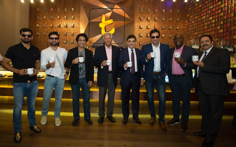 cricketers-meet-and-greet-at-dilmah-t-lounge